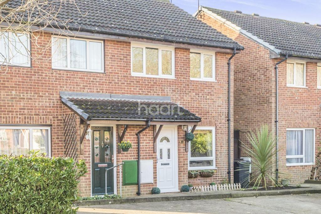 3 Bedrooms Semi Detached House for sale in Poppyfields