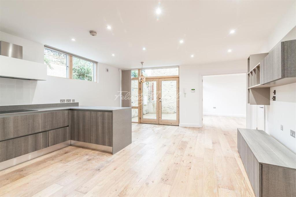 2 Bedrooms Terraced House for sale in Moray Mews, N7