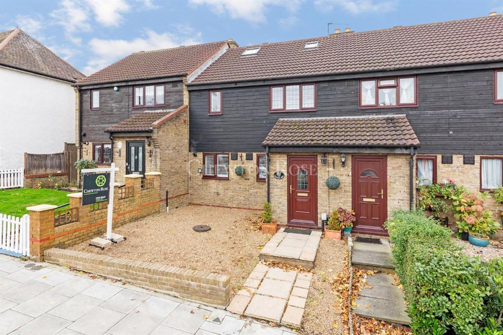 4 Bedrooms Terraced House for sale in WOODFORD