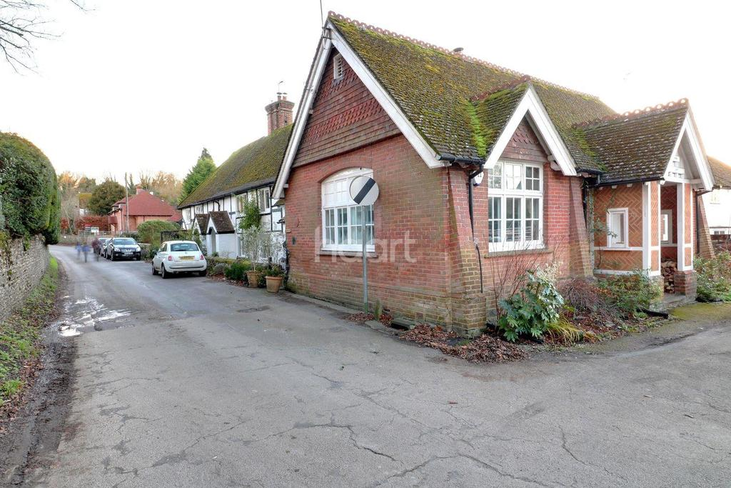3 Bedrooms Semi Detached House for sale in Station Road, West Meon, Hampshire