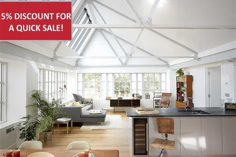 3 bedroom apartment for sale - Ladywell, Pilton, Barnstaple, Devon, EX31