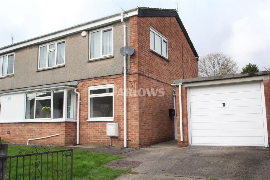 3 Bedrooms Flat for sale in Holly Road, Fairwater, Cardiff