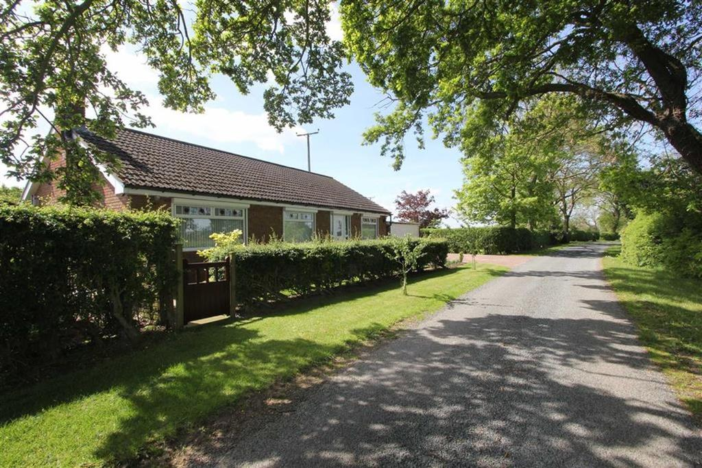 3 Bedrooms Detached Bungalow for sale in Green Lane, Hutton Rudby