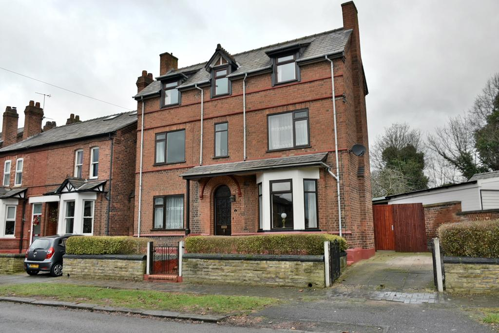 4 Bedrooms Detached House for sale in Manora Road, Northwich