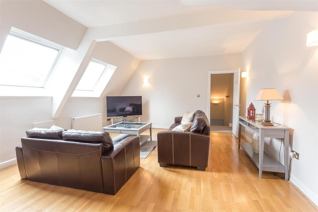 3 Bedrooms Flat for rent in Granville Road, Jesmond, Newcastle upon Tyne