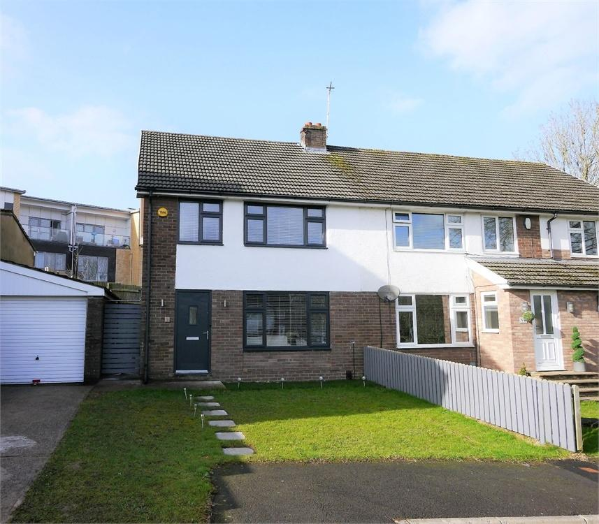 3 Bedrooms Semi Detached House for sale in Waverley Close, Llandough