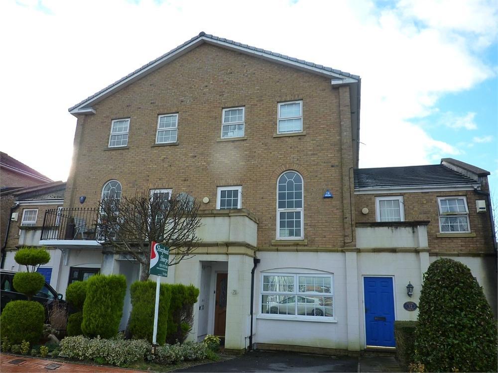 5 Bedrooms Terraced House for sale in John Batchelor Way, Penarth
