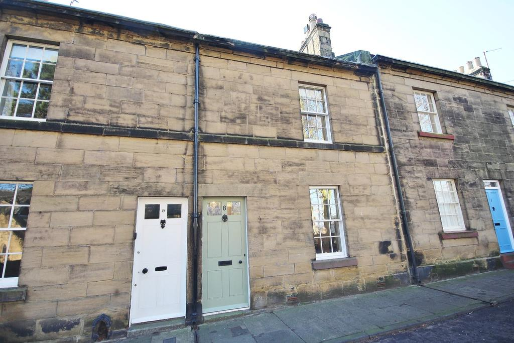 3 Bedrooms Town House for sale in 8 Prudhoe Street, Alnwick, Northumberland NE66