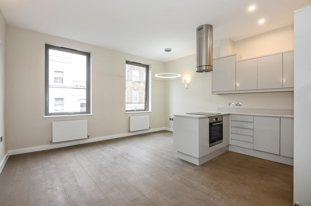 2 Bedrooms Flat for sale in Southampton Way London SE5
