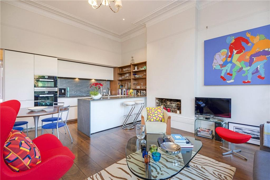 2 Bedrooms Flat for sale in Thurlow Road, Hampstead, London, NW3