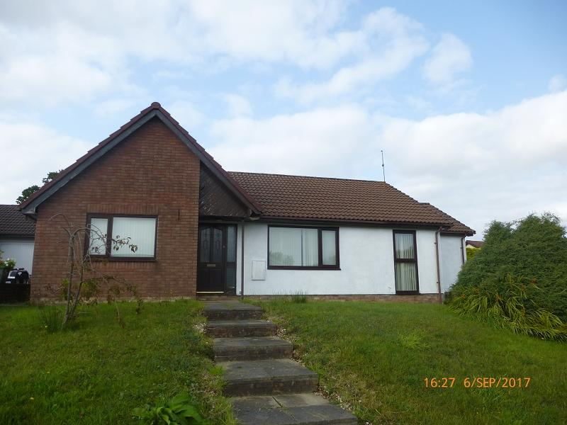 3 Bedrooms Detached House for sale in Delfryn Capel Hendre, Ammanford, Carmarthenshire.