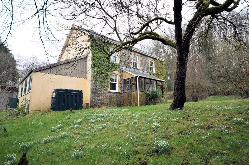 3 Bedrooms Land Commercial for sale in The Manse , Capel Isaac, Llandeilo, Carmarthenshire. SA19 7TN