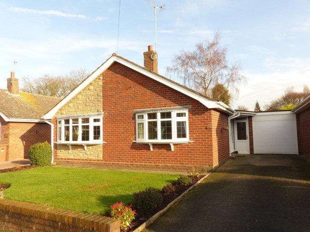 2 Bedrooms Detached Bungalow for sale in Canning Close,Walsall,West Midlands