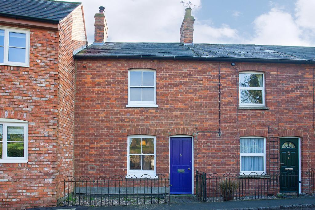 2 Bedrooms Terraced House for sale in Main Street, Akeley