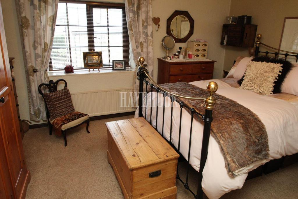 2 Bedrooms Cottage House for sale in Brook Hill, Thorpe Hesley