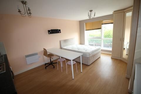 Studio to rent - The Round House, Gunwharf Quays