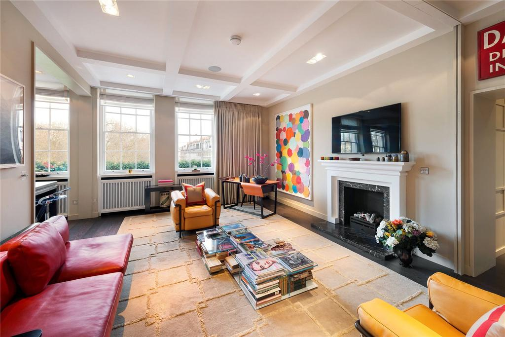 2 Bedrooms Flat for sale in Eaton Square, London