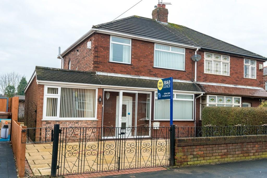 4 Bedrooms Semi Detached House for sale in Stapleton Avenue, Rainhill, Prescot