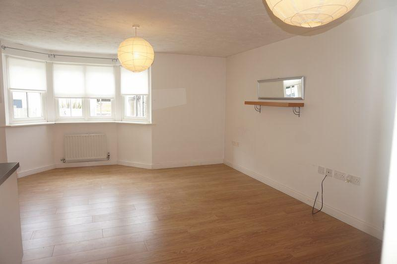 2 Bedrooms Apartment Flat for sale in Tudor Court, Congleton