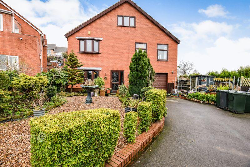 4 Bedrooms Detached House for sale in Valley View, Westfield Road, PARKGATE