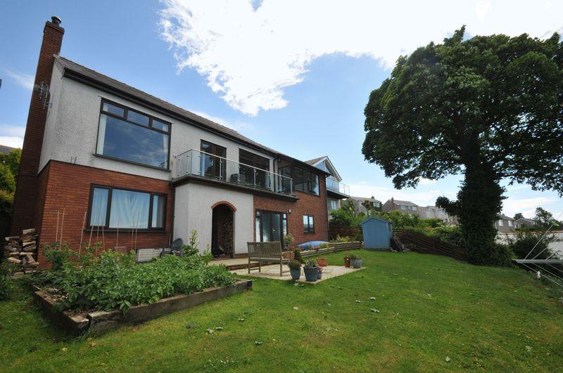 5 Bedrooms Detached House for sale in Y Felinheli, Gwynedd