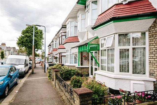 4 Bedrooms House for sale in Colchester Road, Leyton