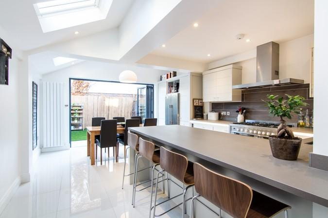 4 Bedrooms Terraced House for sale in Shakespeare Road, Acton