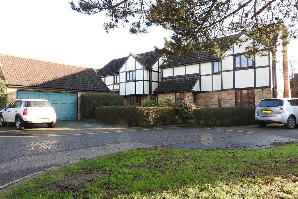 4 Bedrooms House for sale in Woodland Close, Hatfield Peverel, Chelmsford