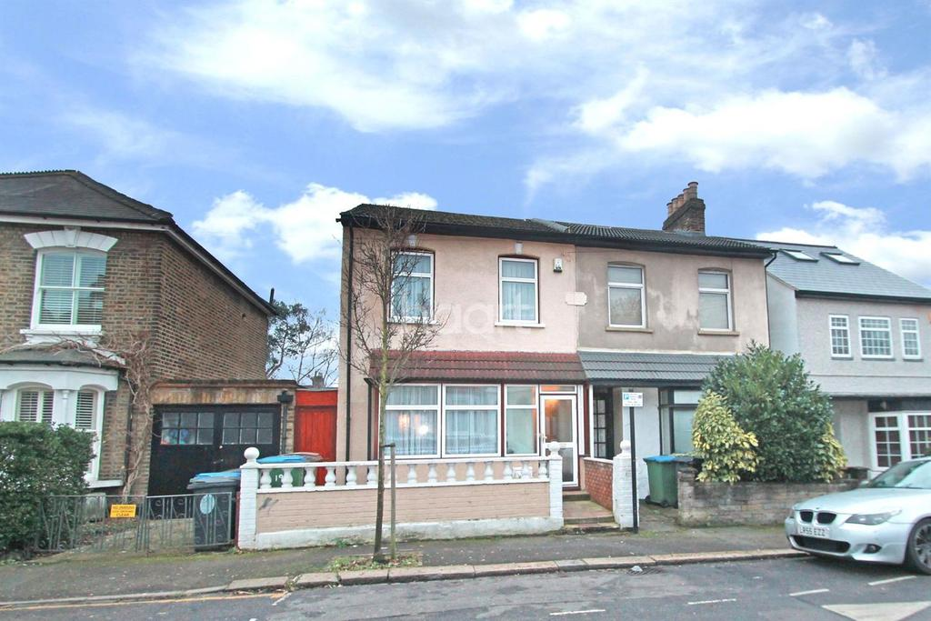4 Bedrooms End Of Terrace House for sale in Clarendon Road