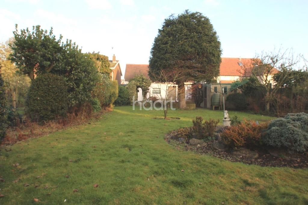 4 Bedrooms Detached House for sale in Templewood Road, Hadleigh