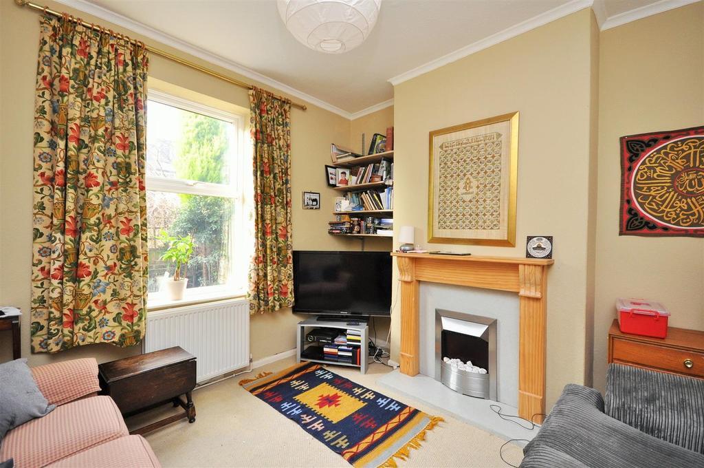 3 Bedrooms Terraced House for sale in Belle Vue Cottages, Heslington Road, York