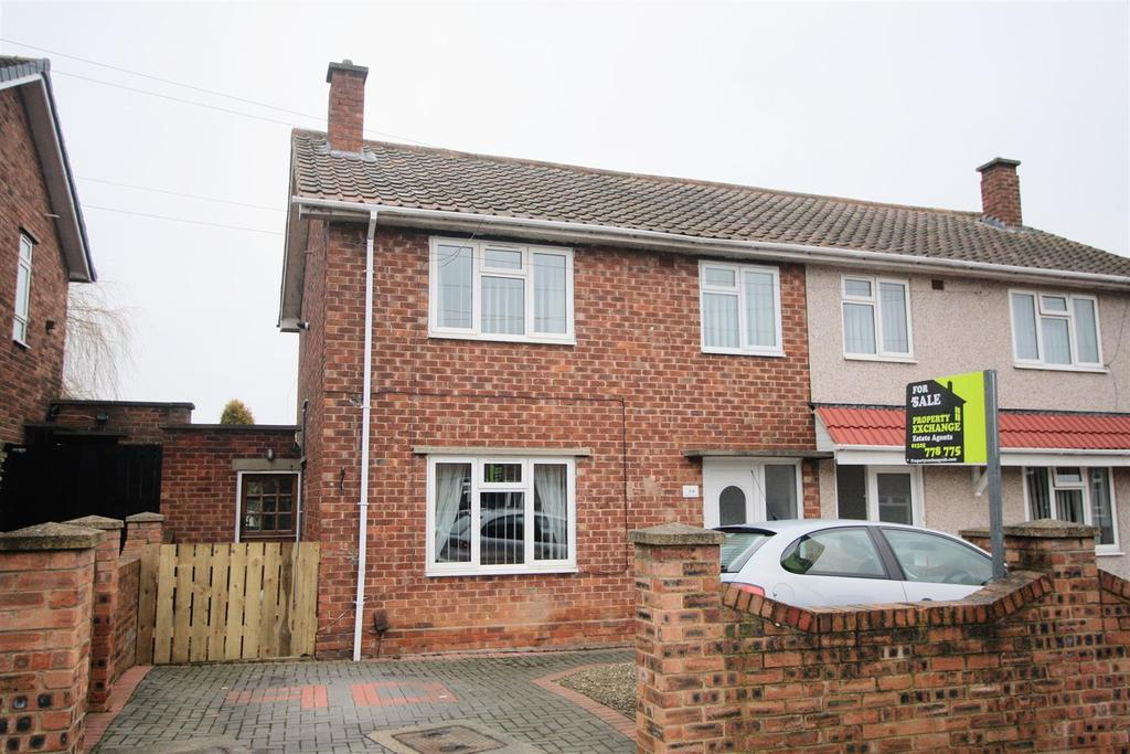 3 Bedrooms Semi Detached House for sale in Hutton Avenue, Darlington