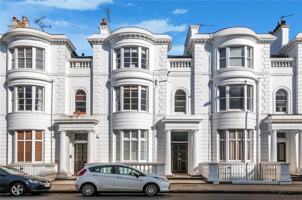 2 Bedrooms Flat for sale in Gloucester Terrace, Lancaster Gate, London