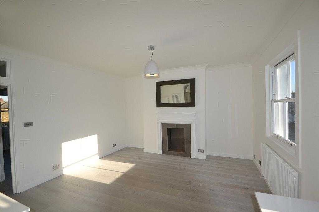 1 Bedroom Flat for sale in Tufnell Park Road, Tufnell Park Road, London, N7