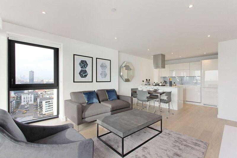 2 Bedrooms Flat for sale in Horizons Tower, 1 Yabsley Street, London, E14