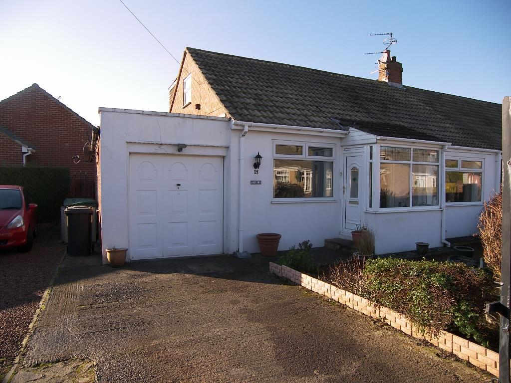 2 Bedrooms Semi Detached Bungalow for sale in Green Lane