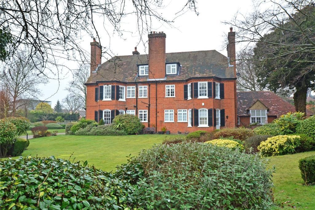 2 Bedrooms Flat for sale in Ascot Court, Asprey Place, Bromley, BR1