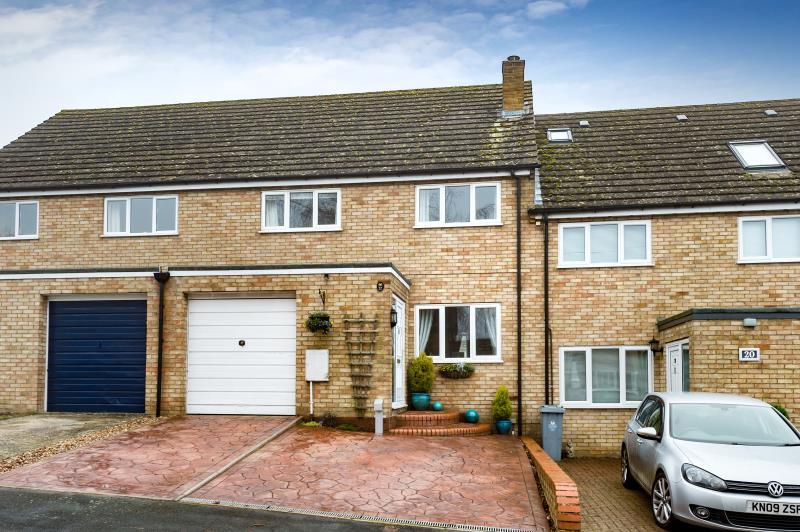 3 Bedrooms Terraced House for sale in Dorn Close, Middle Barton, Chipping Norton, Oxfordshire