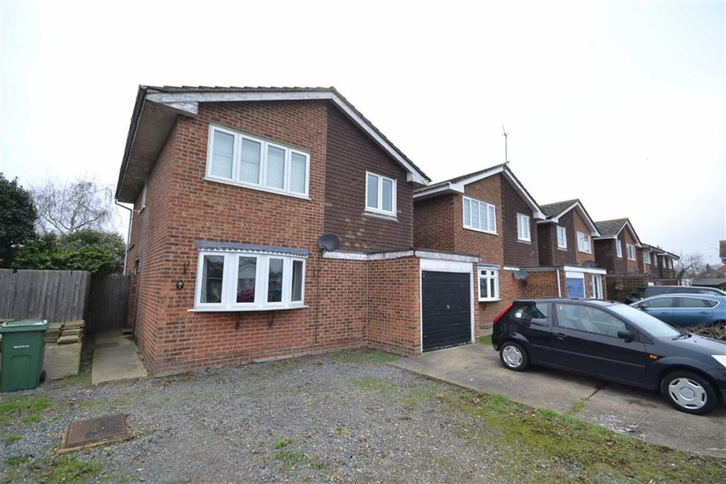 4 Bedrooms Detached House for sale in Ash Grove, Burnham-on-Crouch, Essex