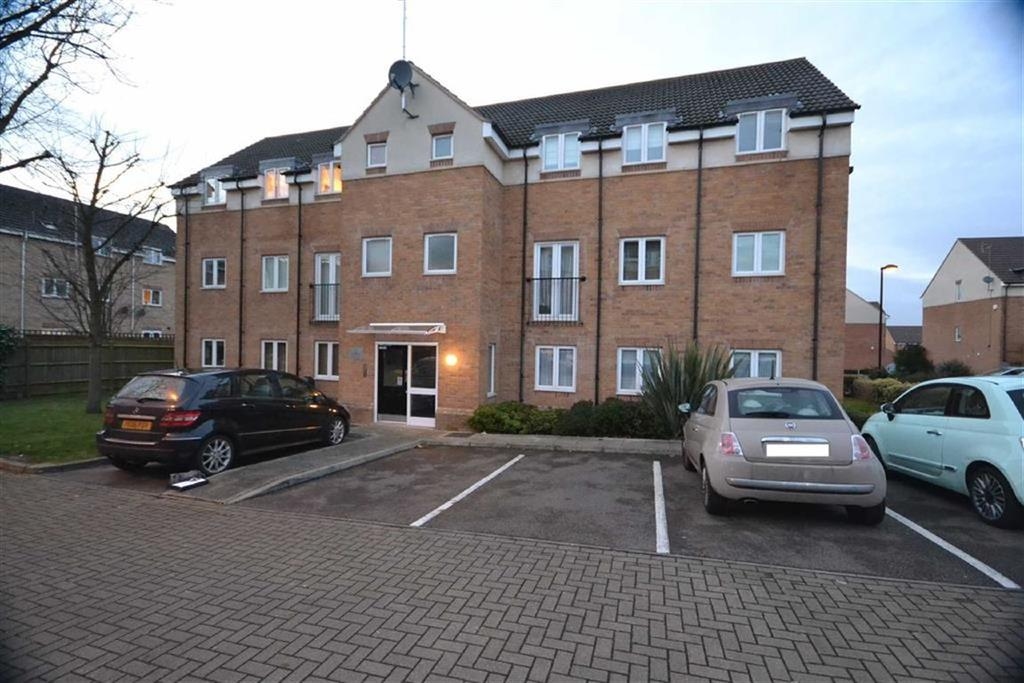 2 Bedrooms Flat for sale in Hardy Court, Borehamwood