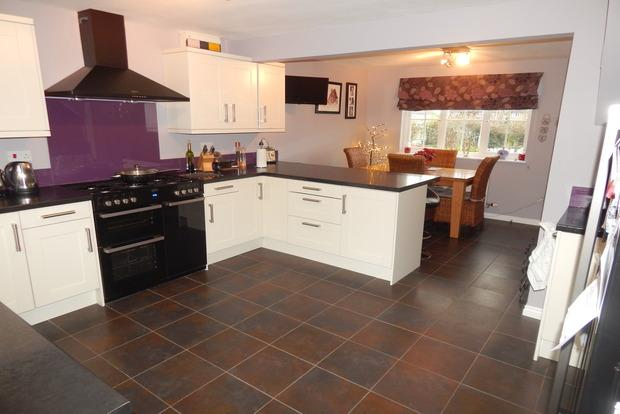 4 Bedrooms Detached House for sale in Farriers Gate, Chatteris, PE16