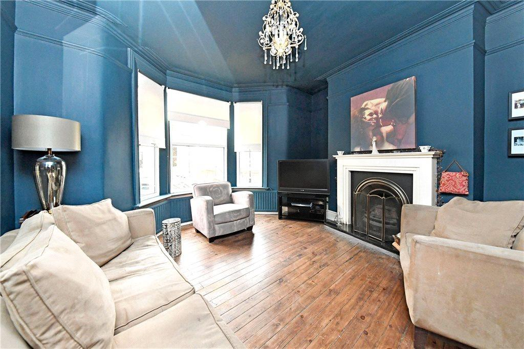 4 Bedrooms End Of Terrace House for sale in Valley Road, Harrogate, North Yorkshire