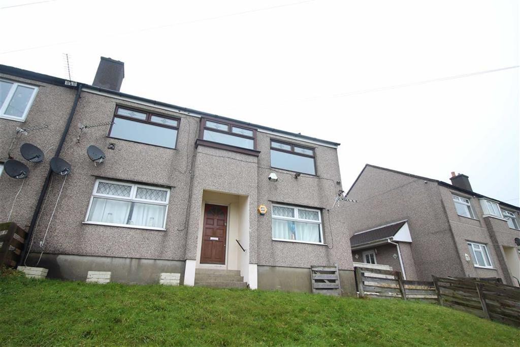 2 Bedrooms Flat for sale in Upland Drive, Pontypool, Torfaen