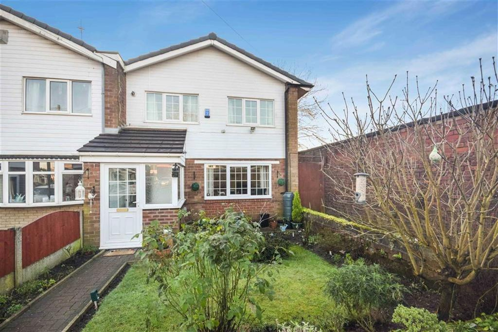 3 Bedrooms Semi Detached House for sale in Harbern Close, Monton, Manchester