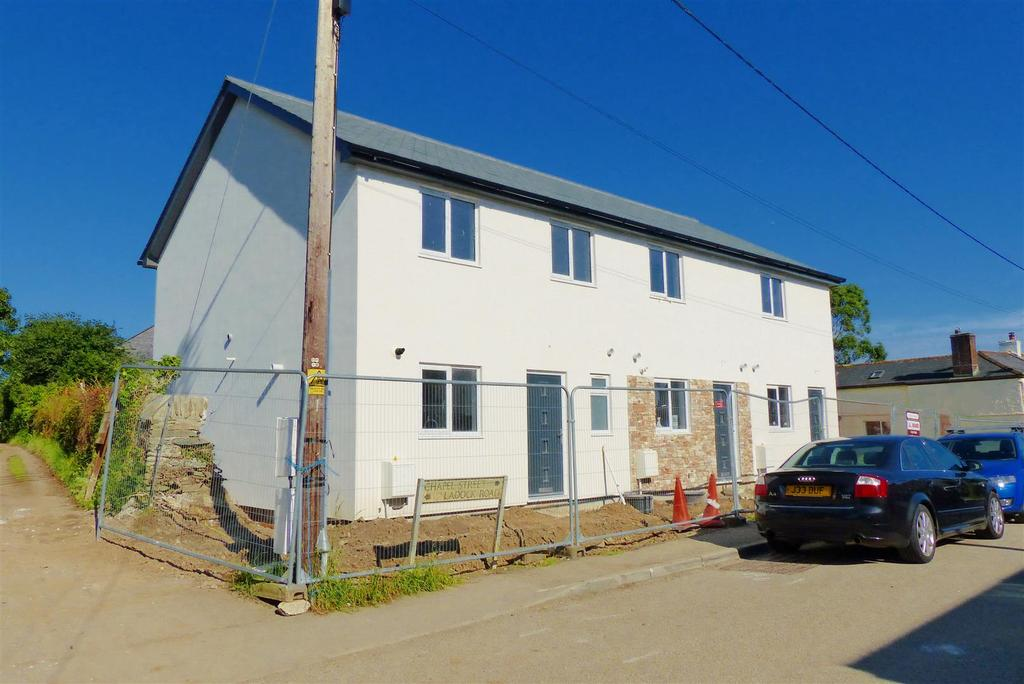 2 Bedrooms Terraced House for sale in Probus