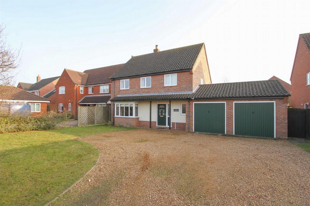 4 Bedrooms Detached House for sale in Norwich Road, Dereham, Norfolk