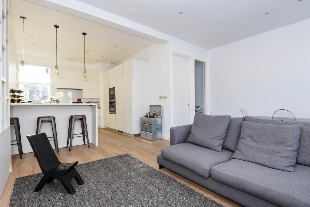 3 Bedrooms Flat for sale in Cautley Avenue, Clapham, SW4