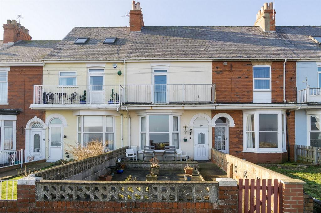 3 Bedrooms Terraced House for sale in Marine Parade, WITHERNSEA, East Riding of Yorkshire