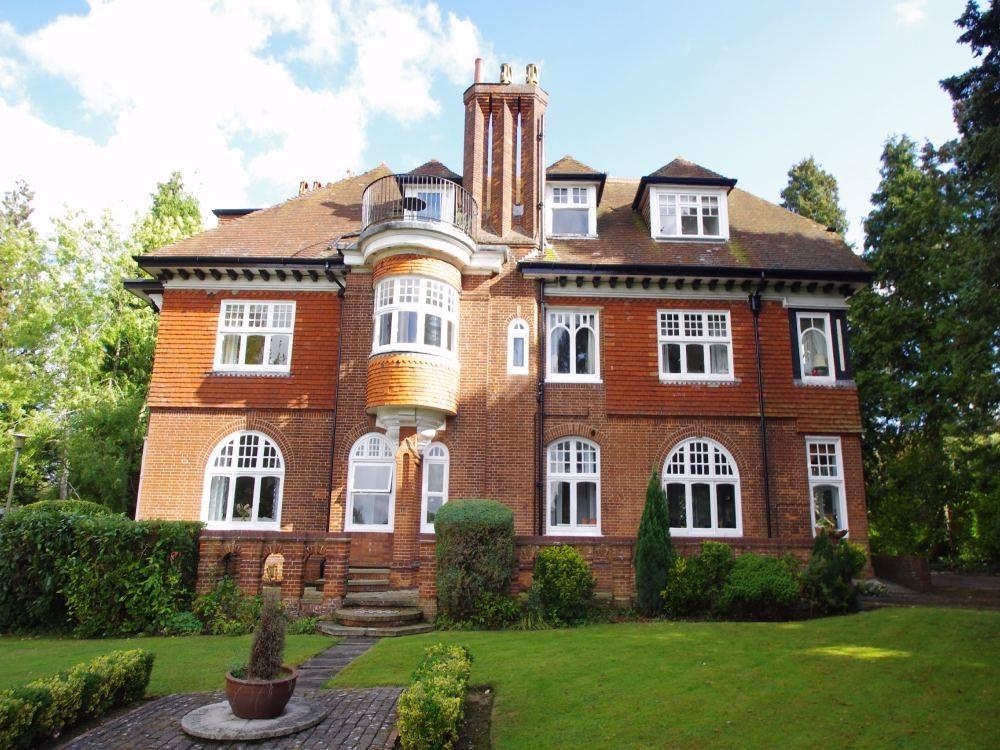 2 Bedrooms Flat for sale in Felden Hurst, Felden Lane, Felden, HEMEL HEMPSTEAD, Hertfordshire