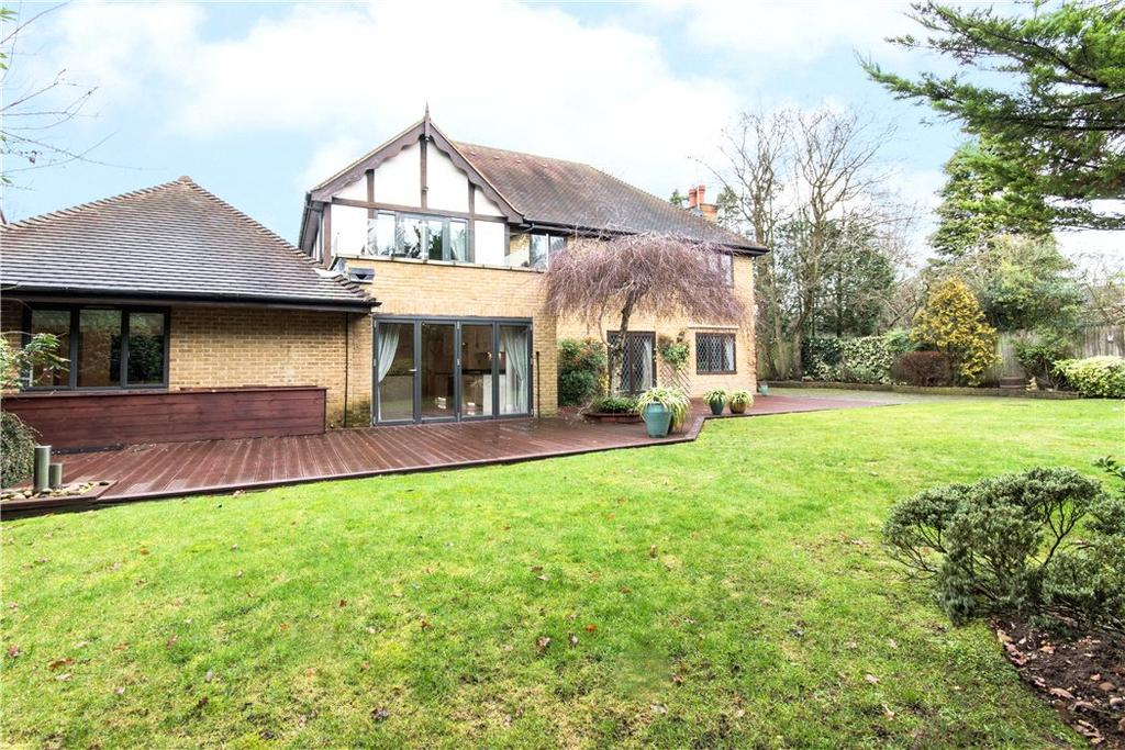 5 Bedrooms Detached House for sale in Icklingham Gate, Cobham, Surrey, KT11